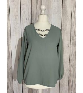 blouse groen met ketting